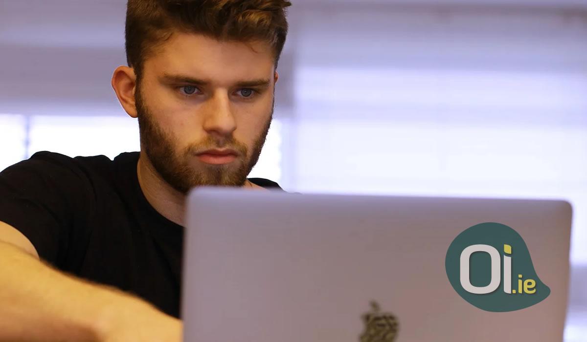 Escola de Dublin oferece cursos de inglês gratuitamente pela internet